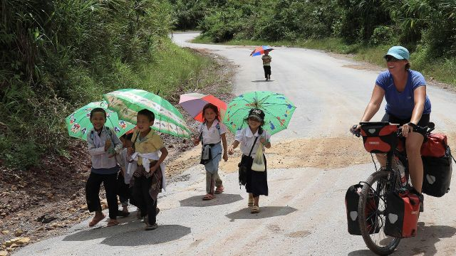 201109 header laos dag vreemde man