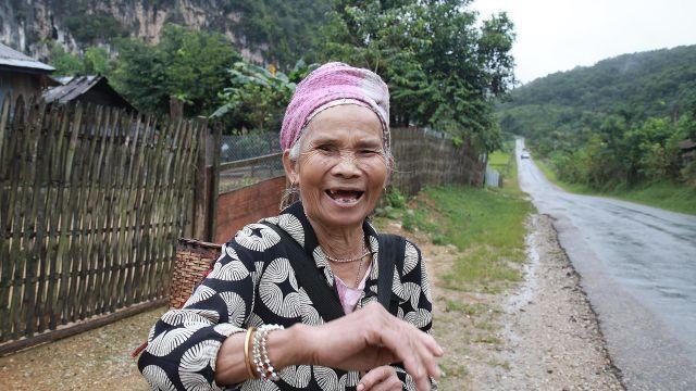 201110 header laos en cours de route